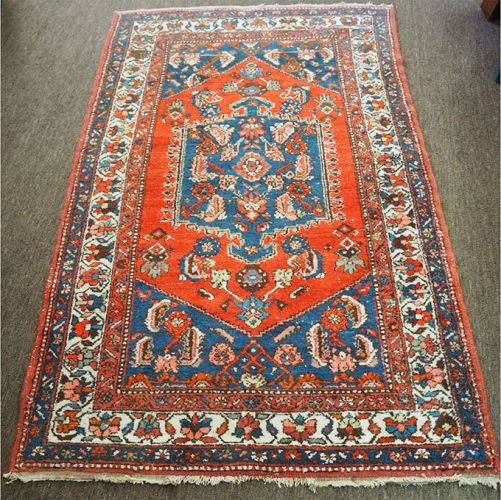 Attractrive Antique Eastern Hamadan Rug